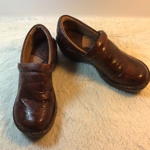 Bolo Brown Leather Tooled Clogs Shoe Size 8